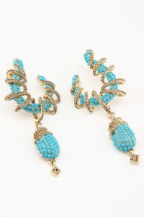 Серьги Fashion Jewelry, цвет: золотистый, голубой. ER0015ER0015Оригинальные серьги Fashion Jewelry, выполненные из металла золотистого цвета с необычной подвеской, украшены стразами из стекла и пластика. Такие серьги помогут создать вам свой неповторимый стиль. Серьги-подвески застегиваются на пластиковую застежку-гвоздик. Серьги Fashion Jewelry позволят вам с легкостью воплотить самую смелую фантазию и создать собственный, неповторимый образ.