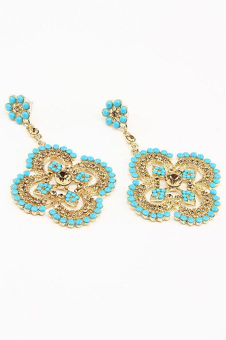 Серьги Fashion Jewelry, цвет: золотистый, голубой. ER010ER010Оригинальные серьги Fashion Jewelry, выполненные из металла с подвеской в виде цветочка, украшены цветными стразами. Такие серьги помогут создать вам свой неповторимый стиль. Серьги-подвески застегиваются на пластиковую застежку-гвоздик. Серьги Fashion Jewelry позволят вам с легкостью воплотить самую смелую фантазию и создать собственный, неповторимый образ.