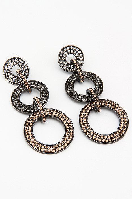 Серьги Fashion Jewelry, цвет: черный, золотистый, серебристый. ER0223ER0223Оригинальные серьги Fashion Jewelry представляют собой декоративные элементы выполненные из металла и украшенные стразами, скрепленные между собой. Такие серьги помогут создать вам свой неповторимый стиль. Серьги-подвески застегиваются на пластиковую застежку-гвоздик. Серьги Fashion Jewelry позволят вам с легкостью воплотить самую смелую фантазию и создать собственный, неповторимый образ.
