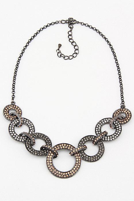 Колье Fashion Jewelry, цвет: черный, золотистый, серебристый. NK0055NK0055Оригинальное колье Fashion Jewelry представляют собой цепочку с декоративными элементами. Декоративные элементы выполненные из металла и украшенные стразами, скрепляются между собой. Колье имеет надежную застежку-карабин с регулирующей длину цепочкой. Колье Fashion Jewelry не только привлечет внимание окружающих, но и дополнит ваш образ и поможет создать свой неповторимый стиль. Характеристики: Длина колье: 45 см - 51 см. Максимальная диаметр декоративного элемента: 3,5 см. Минимальная диаметр декоративного элемента: 2 см