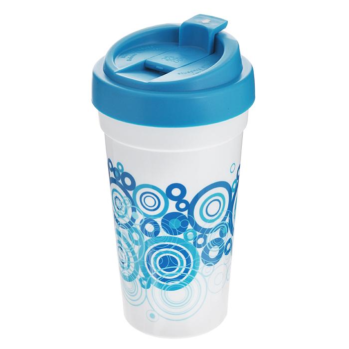 Кружка дорожная Cool Gear Eco 2. Графика, для горячих напитков, цвет: синий, 450 мл. 11311131 синДорожная кружка Cool Gear Eco 2. Графика изготовлена из высококачественного BPA-free пластика, не содержащего токсичных веществ. Двойные стенки дольше сохраняют напиток горячим и не обжигают руки. Надежная закручивающаяся крышка с защитой от проливания обеспечит дополнительную безопасность. Крышка оснащена клапаном для питья. Оптимальный объем позволит взять с собой большую порцию горячего кофе или чая. Оригинальный дизайн, яркие, жизнерадостные цвета и абстрактный рисунок превращают кружку в стильный и функциональный аксессуар. Кружка идеальна для ежедневного использования. Она станет вашим обязательным спутником в длительных поездках или занятиях зимними видами спорта. Не рекомендуется использовать в микроволновой печи и мыть в посудомоечной машине.