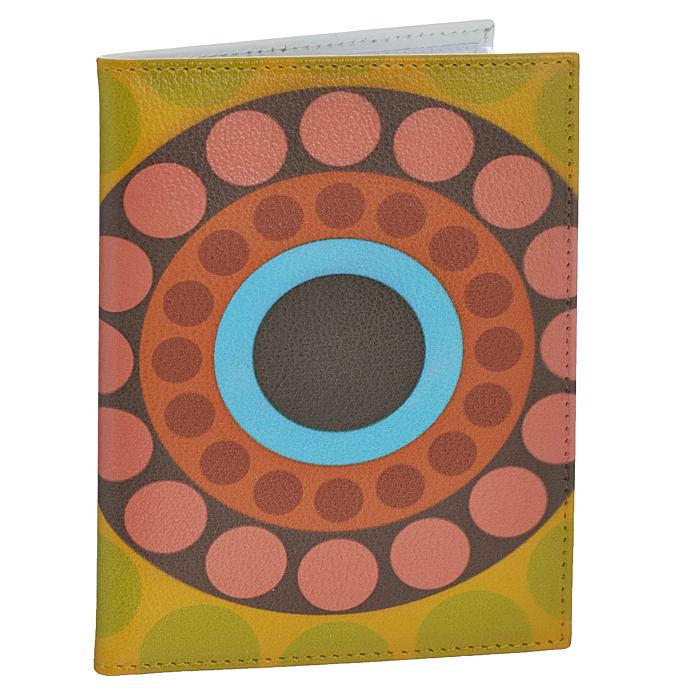 Обложка для автодокументов Perfecto Круги-2. VD-PT-37VD-PT-37Обложка для автодокументов Perfecto Круги-2 изготовлена из натуральной кожи с ярким рисунком в виде разноцветных кругов. Внутри содержится съемный блок из 6 прозрачных пластиковых файлов разного размера, а также 4 прорезных кармана для пластиковых карт. Обложка не только поможет сохранить внешний вид ваших документов и защитить их от повреждений, но и станет стильным аксессуаром, идеально подходящим вашему образу. Обложка для документов стильного дизайна может быть достойным и оригинальным подарком.