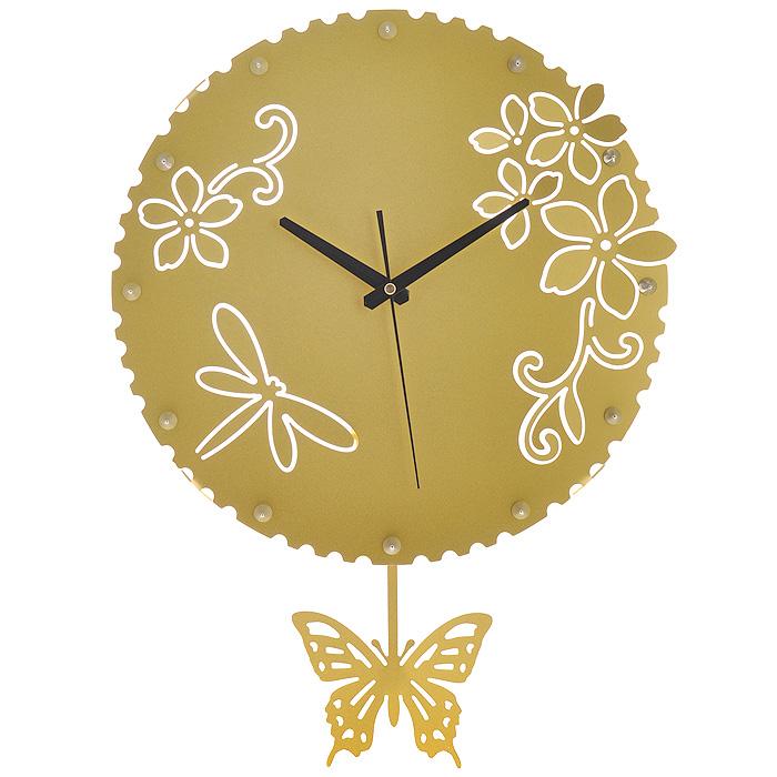 Часы настенные Стрекозы, с маятником, цвет: золотистый. 9518395183Изящные настенные часы Стрекозы эффектно украсят интерьер помещения. Дизайн, полный хрупкого изящества, в этих часах удачно сочетается с высокой прочностью материалов. Корпус, оформленный изящной перфорацией, выполнен из коррозионностойкой стали с порошковым напылением золотистого цвета. Несмотря на устойчивый к механическим воздействиям корпус, часы выглядят ажурными, словно вырезанными из бумаги. Часы имеют три стрелки: часовую, минутную и секундную. Постоянное движение маятника с фигуркой бабочки придает иллюзию постоянного трепета. Механизм часов - кварцевый. С задней стороны корпуса имеется отверстие для подвешивания на стену. Красивые и качественные настенные часы украсят современный интерьер и порадуют надежной работой. Характеристики: Материал: коррозионностойкая сталь, пластик. Диметр корпуса: 37 см. Толщина корпуса: 2 мм. Цвет: золотистый. Размер фигурки бабочки: 13 см х 11 см. Необходимо докупить 2...