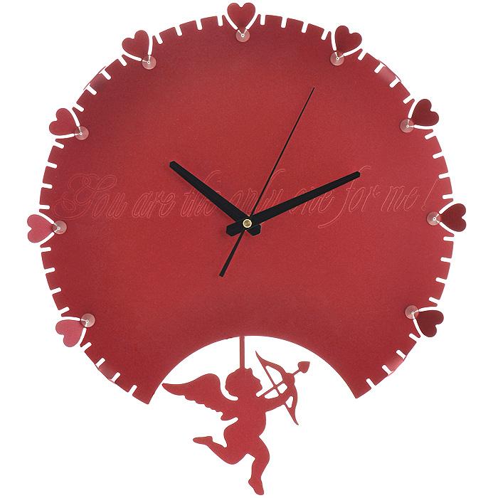 Часы настенные Купидон, с маятником, цвет: красный. 9518495184Изящные настенные часы Купидон эффектно украсят интерьер помещения. Дизайн, полный хрупкого изящества, в этих часах удачно сочетается с высокой прочностью материалов. Корпус, оформленный по краям изящной перфорацией, выполнен из коррозионностойкой стали с порошковым напылением красного цвета. Центральная часть украшена гравировкой в виде надписи: You are the only one for me!. Несмотря на устойчивый к механическим воздействиям корпус, часы выглядят ажурными, словно вырезанными из бумаги. Часы имеют три стрелки: часовую, минутную и секундную. Постоянное движение маятника с фигуркой Купидона придает иллюзию постоянного трепета. Механизм часов - кварцевый. С задней стороны корпуса имеется отверстие для подвешивания на стену. Красивые и качественные настенные часы украсят современный интерьер и порадуют надежной работой.