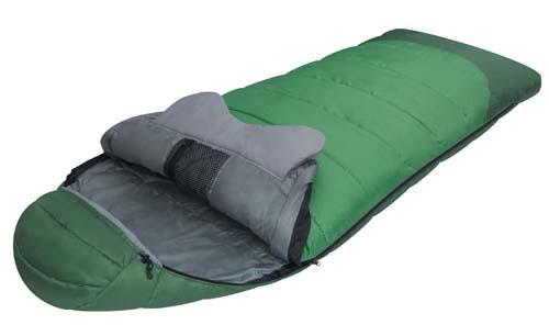 Спальный мешок Alexika Forest, цвет: зеленый, правосторонняя молния. 9230.010119230.01011Комфортабельный трехсезонный трекинговый спальный мешок Alexika Forester будет идеален для тех, кто любит путешествовать. Прочный и надежный, он обеспечит вам крепкий здоровый сон и комфорт, словно вы и не выходили из собственной спальни. Комфорт сохранится даже при температуре -4°C: это достигается благодаря специальному утеплителю APF-Isoterm 3D, который не пропускает холодный воздух внутрь, т.к. помещен в специальные пакеты, смещенные относительно друг друга. Тепловой воротник плотно облегает шею, и препятствует прохождению холодного воздуха извне, сохраняя тепло внутри. Молния плотно утеплена, а значит, там нет щелей, через которые может проходить ветер. Капюшон анатомической формы удобен для головы и также сохранит тепло. Светящаяся петля на молнии позволит вам с легкостью найти бегунок в ночное время, а внутренние сетчатые карманы припрятать в мешке небольшие вещички, например документы и т.п. Данный туристический спальник легко поддается...