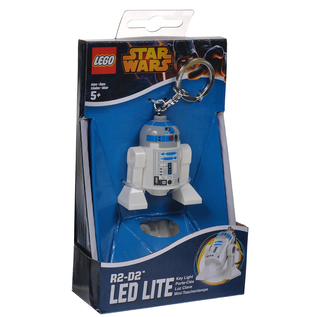 Брелок-фонарик для ключей Lego Звездные ВойныLGL-KE21Брелок Lego Звездные Войны станет отличным подарком для родственников, знакомых или коллег по работе. Его можно пристегнуть к рюкзаку, сумке или повесить на связку ключей. Брелок имеет функцию фонарика, с помощью которой вы сможете в ночное время суток заглянуть под капот машины, осветить себе путь во время поздних пеших прогулок, разглядеть в темном подъезде замочную скважину.
