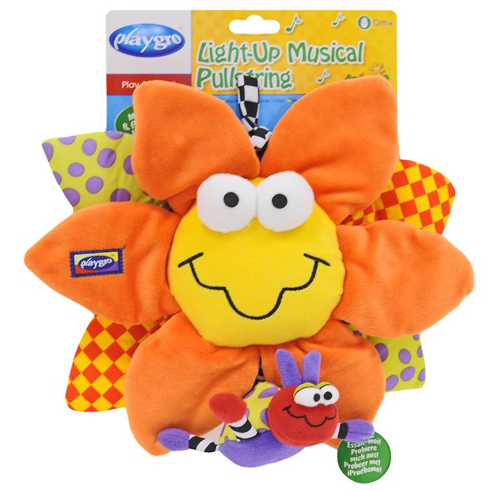 Музыкальная игрушка-подвеска Playgro Цветочек0111899Музыкальная игрушка-подвеска Playgro Цветочек станет верным другом для вашего малыша. Игрушка выполнена из мягкого приятного на ощупь материала разных цветов и фактур и представляет собой мягкий цветочек, снизу к которому крепится маленькая божья коровка. Потянув за букашку, вы услышите приятную мелодию, при этом лепестки цветочка будут мигать, а игрушка будет медленно возвращаться в исходное положение. Эта тихая спокойная музыка поможет малышу успокоиться и заснуть. Музыкальную подвеску можно прикрепить к кроватке при помощи специальной текстильной завязки. Музыкальная игрушка-подвеска Playgro Цветочек поможет ребенку развить мелкую моторику рук, зрительное и слуховое восприятие и тактильные ощущения. Рекомендуется докупить 3 батареи напряжением 1,5V типа LR44 (товар комплектуется демонстрационными).