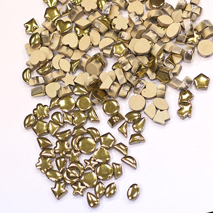 Мозаика керамическая Craft Premier с золотой глазурью, 1 х 1 см, 100 гHD10-01Керамическая мозаика - вид творчества, который существует уже очень давно. Мозаику использовали еще в древности. И в наше время мозаика остается очень популярной. Мозаика - увлекательное и прекрасное занятие. Вы получите истинное удовольствие от погружения в процесс творчества и созданные своими руками картины украсят интерьер вашего дома или станут прекрасным подарком. Прекрасно развивает художественный вкус, аккуратность и внимание. Набор предназначен для детей от 5 лет и взрослых.