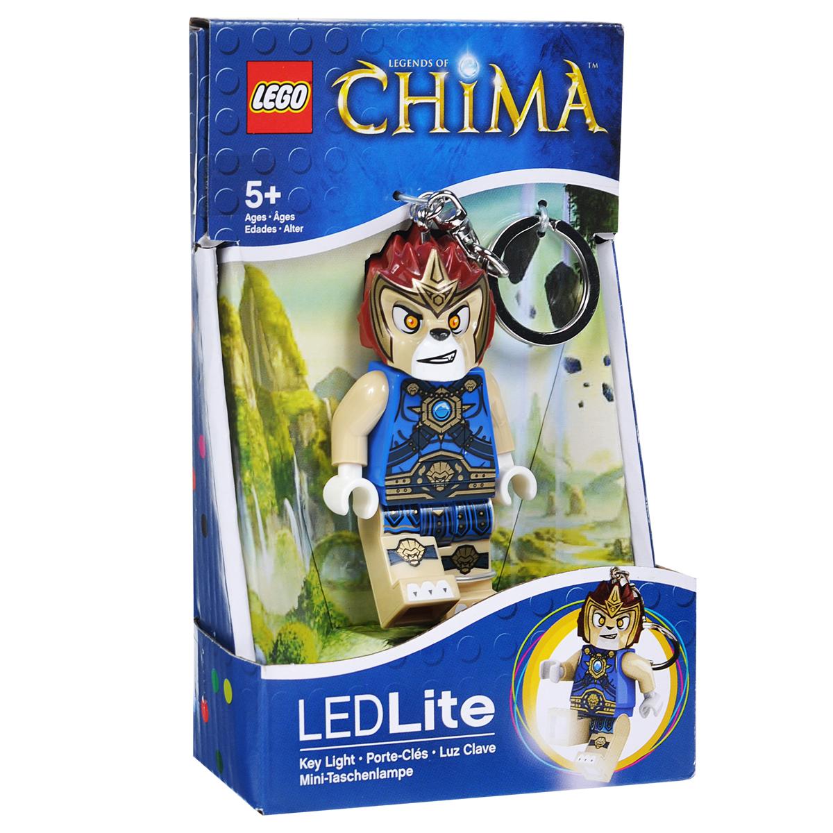Брелок-фонарик для ключей Lego Chima LavalLGL-KE35Брелок-фонарик для ключей Lego Chima Laval станет отличным подарком для знакомых или коллег по работе. Его можно пристегнуть к рюкзаку, сумке или повесить на связку ключей. Lego Chima Laval - это современный осветительный прибор в классической форме фигурки Lego с подвижными конечностями. В ноги фигурки встроены два ярких светодиода, которые включаются нажатием на кнопку, расположенную на животе человечка.
