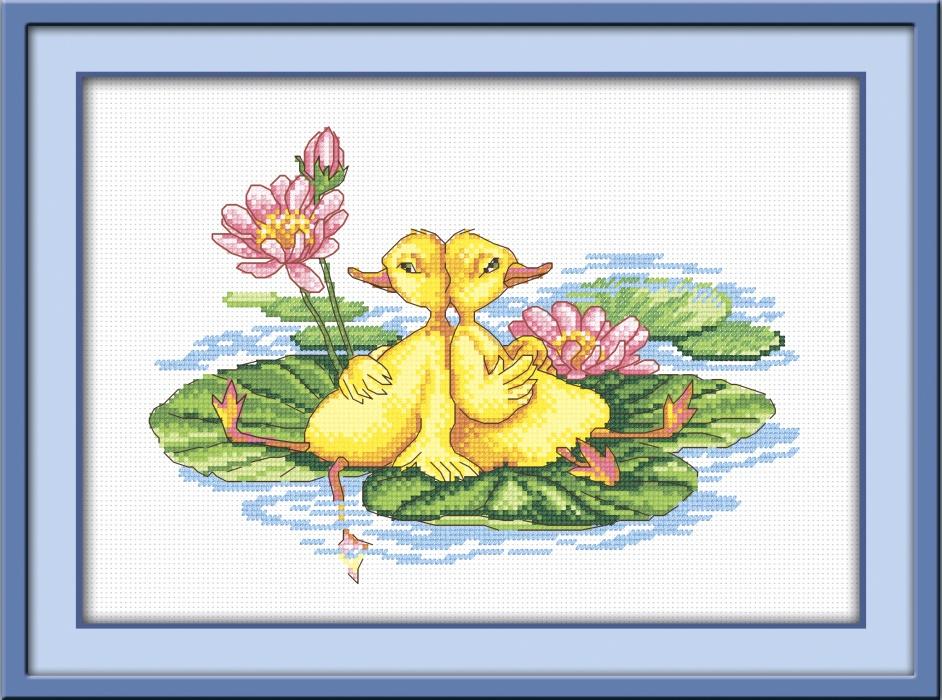 Набор для вышивания крестом Утята на пруду, 25 см х 17 см. 544193544193Набор для вышивания Утята на пруду поможет вам создать свой личный шедевр - красивую картину, вышитую крестом. Работа, выполненная своими руками, станет отличным подарком для друзей и близких! Набор содержит: - белая канва №14, - нитки мулине - 14 цветов (100% хлопок), - игла, - цветная схема для вышивания, - инструкция на русском языке. Размер готовой работы: 25 см х 17 см. УВАЖАЕМЫЕ КЛИЕНТЫ! Обращаем ваше внимание, на тот факт, что рамка в комплект не входит, а служит для визуального восприятия товара.
