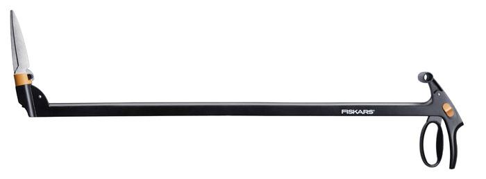 Ножницы для травы с серво-системой Fiskars, с поворотом режущей головки на 360°, длинные113690Удлиненные ножницы для травы Fiskаrs с Серво-системой предотвращают защемление лезвий и гарантируют таким образом непрерывную, эффективную работу. Эргономичная, легкая конструкция обеспечивает комфорт и удобство использования, а подвижная режущая головка, поворачивающаяся на 360°, позволяет легко доставать самые труднодоступные углы. Лезвия изготовлены из закаленной нержавеющей стали, рукоятки – из армированного стекловолокном полиамида FiberComp. Ножницы снабжены механизмом блокировки, который регулируется большим пальцем. Особенности: Серво-система предотвращает защемление травы лезвиями Ножницы позволяет работать, не наклоняясь, с меньшей нагрузкой на мышцы Механизм блокировки в целях безопасности управляется большим пальцем Рукоятки из материала FiberComp очень легкие и прочные Регулируемый угол режущей головки 360°.