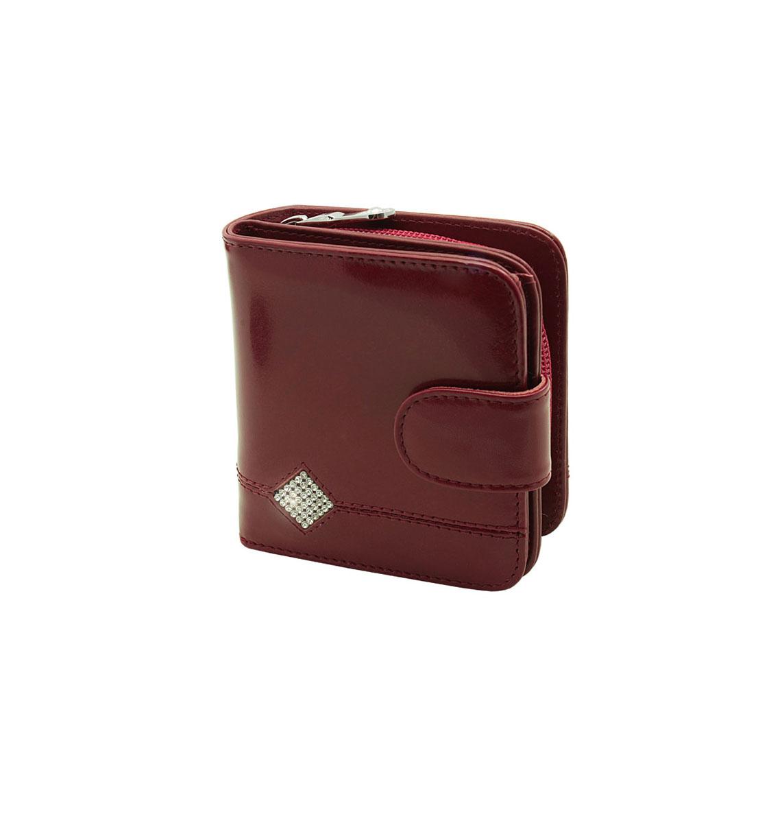 Кошелек женский Dimanche Гранат, цвет: бордовый. 136136Женский кошелек Dimanche Гранат выполнен из натуральной кожи бордового цвета, оформлен стразами, выстроенными в форме ромба и состоит из двух отделений. В первом, закрывающемся на кнопку хлястиком, имеется два отделения для купюр и восемь кармашков для кредитных карт или визиток, два из которых - потайные. Второе отделение для мелочи закрывается на застежку-молнию, внутри содержится перегородка. Такой кошелек станет отличным подарком для человека, ценящего качественные и стильные вещи. Кошелек упакован в фирменную подарочную коробку.