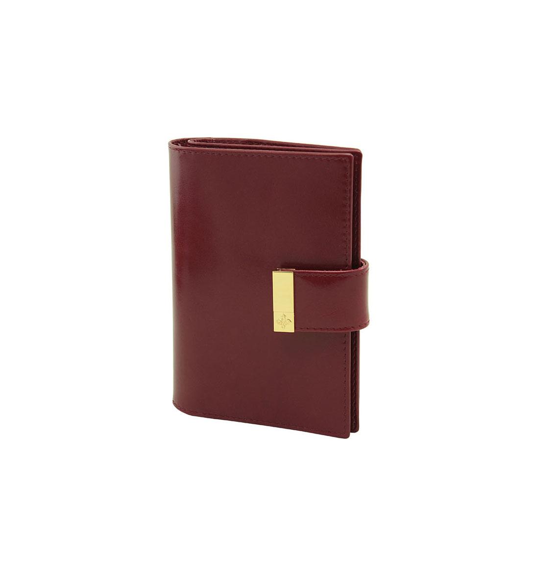 Бумажник водителя Dimanche Elite Гранат, с отделением для паспорта, цвет: бордовый. 151151Бумажник водителя Dimanche Elite Гранат изготовлен из натуральной кожи бордового цвета. Внутри содержится съемный блок из 5 прозрачных пластиковых файлов для автодокументов, 4 прорезных кармана для пластиковых карт, кармашек для сим- карты и потайной вертикальный карман для мелких бумаг. Имеется специальное отделение для паспорта. Закрывается бумажник на кнопку хлястиком на липучке с металлическим украшением. Стильный бумажник не только защитит ваши документы, но и станет стильным аксессуаром, подчеркивающим ваш образ. Изделие упаковано в фирменную коробку коричневого цвета с логотипом фирмы Dimanche.