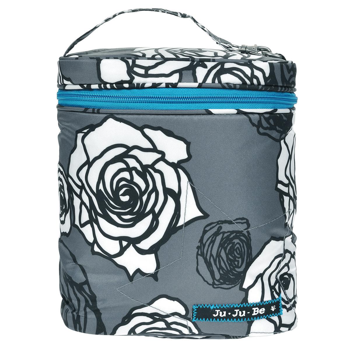 Термосумка для бутылочек Ju-Ju-Be Fuel Cell. Charcoal Roses, цвет: серый, белый08AA09A-0578Удобная и красивая термосумка Ju-Ju-Be Fuel Cell. Charcoal Roses позволит взять с собой бутылочки, поильники, детское питание и закуски. Она будет очень полезной во время длительного перелета, поездки в машине, на прогулке, в школе или в офисе. Сумка состоит из одного отделения, закрывающегося на застежку-молнию с двумя бегунками. В нее легко поместятся одна или две бутылки воды объемом 0,5 л, пара упаковок творожка, шоколадка, сок и все, что необходимо вам и малышу для легкого перекуса вне дома. Утеплитель Thinsulate замедляет остывание/ нагрев детского питания. На внутренней стороне крышки сумки находится прозрачный пластиковый кармашек на молнии. Не волнуйтесь, если что-то разлилось или испачкалось, термосумку для бутылочек Фуел Сел можно стирать в стиральной машине. Сумка оснащена ручкой для переноски в руке. С помощью металлического карабина ее легко можно повесить на коляску. ВНИМАНИЕ! Уважаемые клиенты,...