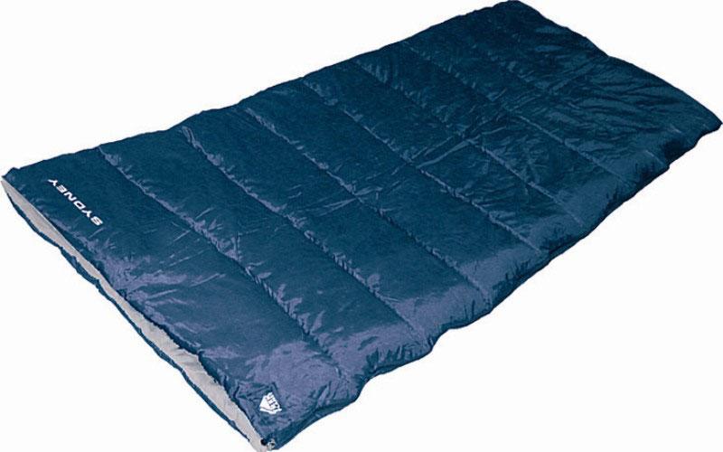 Спальный мешок TREK PLANET Sydney, цвет: синий, правосторонняя молния70354Комфортный и очень удобный в использовании спальник-одеяло TREK PLANET Sydney предназначен для походов преимущественно в летний период. Этот спальник пригодится вам во время поездки на пикник, на дачу, во время туристического похода или поездки на рыбалку. К его несомненным достоинствам можно отнести то, что в остальное время его можно использовать как одеяло для гостей. ОСОБЕННОСТИ СПАЛЬНИКА: - Двухсторонняя молния. - Термоклапан вдоль молнии. - Внутренний карман. - Небольшой вес. - Состегивание двух спальников модели невозможно. К спальнику прилагается чехол для удобного хранения и переноски. Характеристики: Цвет: синий. Температура комфорта: +10°C. Температура лимит комфорта: +6°C. Температура экстрима: -5°C. Внешний материал: 100% полиэстер. Внутренний материал: 100% полиэстер. Утеплитель: Hollow Fiber 1x300 г/м2. Размер: 200 см х 80 см. Размер в чехле: 25 см х 25 см х 38...