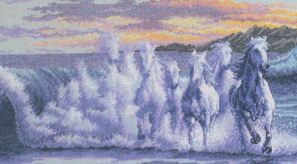 Набор для вышивания Dimensions Волна, 41 см х 25 см35026-DMS