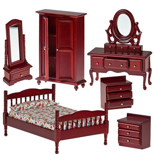 Миниатюра кукольная Art of Mini Набор мебели для спальни, цвет: махагон, 6 предметовAM0102037Миниатюра кукольная Art of Mini Набор мебели для спальни изготовлена из дерева в масштабе 1:12. Набор состоит из кровати, шкафа, двух тумбочек, будуара и тумбы с высоким зеркалом. Все ящички выдвигаются. Кукольная миниатюра представляет собой целый мир с собственной модой, историей и законами. В нашей стране кукольная и историческая миниатюра только набирает популярность, тогда как в других государствах уже сложились целые традиции по созданию миниатюр. Создание миниатюр сводится к правильному подбору всех элементов интерьера согласно сюжетному и историческому контексту. Очень часто наборы кукольных миниатюр передается от поколения к поколению. И порой такие коллекции - далеко не детская забава, а настоящее серьезное хобби для взрослых. Стильные, красивые маленькие вещички и аксессуары интересно расставлять по своим местам, создавая необычные исторические, фантазийные и классические инсталляции различных эпох. Такая миниатюра прекрасно подойдет для...