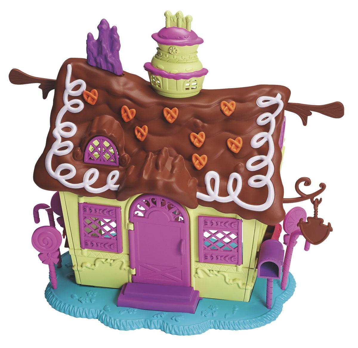 My Little Pony Pop Игровой набор Пряничный домикA8203Набор Пряничный домик дает редкую возможность получить свою собственную кондитерскую. И домик, и лошадку необходимо сначала собрать, проявив свою творческую фантазию. Домик строить очень просто и интересно. В Пряничном домике Пинки Пай всегда может собрать своих друзей и устроить веселое чаепитие! С игровым набором My Little Pony Пряничный домик можно создать своего уникального пони. Подойди к занятию творчески, используя гривы, хвост и украсив лошадку специальными наклейками, сделай пони единственной и неповторимой! Чтобы сделать свою пони еще более уникальной, ты можешь использовать хвосты и гривы лошадок из других наборов, которые продаются отдельно. Наборы полностью совместимы, это разнообразит процесс игры, сделав его еще более захватывающим. С набором Пряничный домик тебя и твою Пинки Пай ждут новые, еще более захватывающие приключения. Игры с такой игрушкой поспособствуют развитию у ребенка фантазии и любознательности, помогут овладеть навыками общения,...