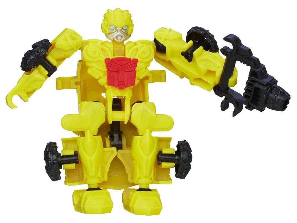 Transformers Констракт-Боты Наездники: BUMBLEBEEA6150_4Конструктор Transformers Констракт-Боты Наездники: BUMBLEBEE понравится вашему маленькому поклоннику Трансформеров и не позволит ему скучать. В комплект входят 18 ярких пластиковых элементов, с помощью которых можно собрать фигурку автобота Бамблби - персонажа популярных мультсериалов о Трансформерах. Робот может трансформироваться в необычный автомобиль. Ваш ребенок часами будет занят игрой, придумывая разные истории. Порадуйте его таким замечательным подарком!