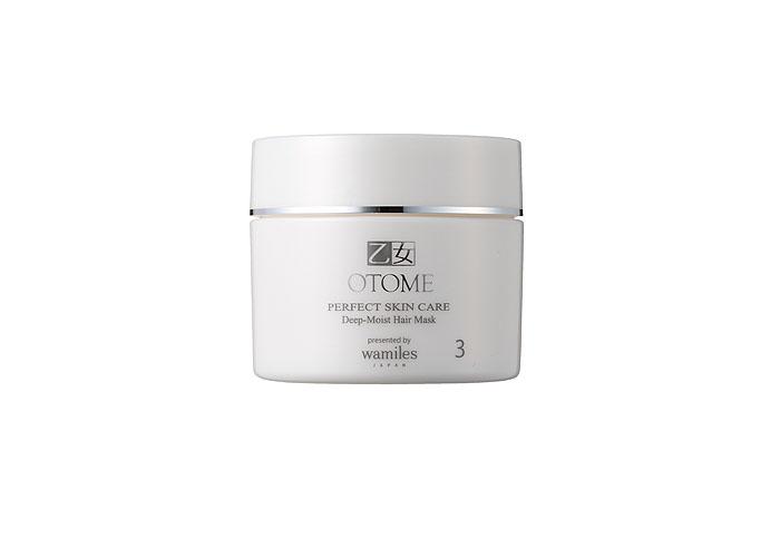 Otome Macкa Perfect Skin Care для глубокого восстановления волос, 190 г30329Лечебная маска для волос Otome Perfect Skin Care для интенсивного восстановления поврежденных, истонченных, уставших волос. Ферментированный экстракт сока сливы, конденсированная глубоководная морская вода (CSW) и другие уникальные ингредиенты на клеточном уровне оздоравливают поврежденные волосы, корни и их кутикулу, восстанавливают липидный слой, надолго увлажняют, насыщают питательными веществами волосы, не утяжеляя их. Волосы, изнутри наполняясь силой и энергией, становятся здоровыми, блестящими и шелковистыми. Способ применения : небольшое количество маски равномерно распределите по чистым влажным волосам. Подержите 10 минут (для усиления эффекта рекомендуется обернуть голову горячим полотенцем), затем тщательно промойте волосы. Для закрепленного результата используйте маску 2-3 раза в неделю.
