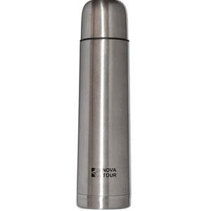 Термос NOVA TOUR Титаниум 1000, из нержавеющей стали, 1 л92201-000-00Термос NOVA TOUR Титаниум 1000, выполненный из пищевой нержавеющей стали, с поворотным клапаном (достаточно повернуть пробку на пол-оборота чтобы налить содержимое из термоса), который дает возможность при наливании не открывать термос целиком для меньшего охлаждения содержимого. Небольшой диаметр корпуса делает термос удобным для обхвата и открытия крышки даже детской рукой.
