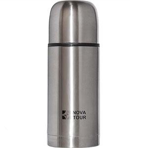 Термос NOVA TOUR Сильвер 500, из нержавеющей стали, 0,5 л92151-000-00Термос NOVA TOUR Сильвер 500, выполненный из пищевой нержавеющей стали, с поворотным клапаном (достаточно повернуть пробку на полоборота чтобы налить содержимое из термоса), который дает возможность при наливании не открывать термос целиком для меньшего охлаждения содержимого. В крышку термоса установлен вкладыш из пищевой пластмассы, позволяющий использовать его в качестве дополнительной кружки. Благодаря расширенному горлу удобен для хранения напитков и первых блюд.