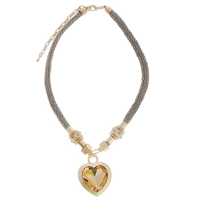 Колье Fashion Jewelry, цвет: золотистый, серый. AH71294AH71294Оригинальное колье Fashion Jewelry представляет собой текстильный плетеный шнурок с декоративными элементами и подвеской. Декоративные элементы выполнены из пластика и декорированы стразами. Подвеска, выполненная из метала в форме сердца, оформлена крупным камнем. Колье имеет надежную застежку-карабин с регулирующей длину цепочкой. Колье Fashion Jewelry не только привлечет внимание окружающих, но и дополнит ваш образ и поможет создать свой неповторимый стиль.