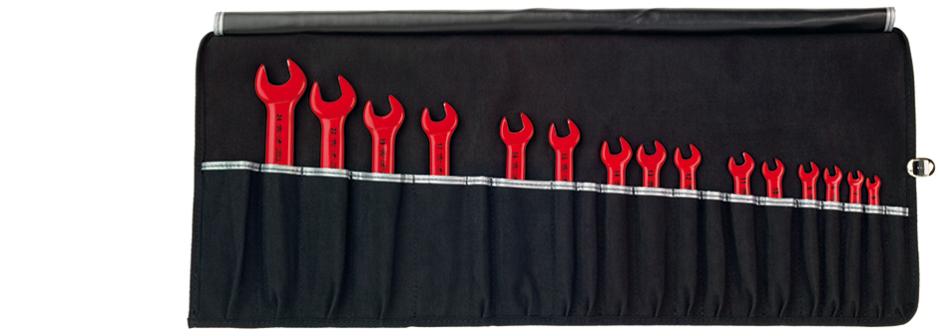 Набор ключей изолированных рожковых VDE, 15 ед Wiha 3317933179Ключи гаечные рожковые Wiha станут отличным помощником монтажнику или владельцу авто. Этот инструмент обеспечит надежную фиксацию на гранях крепежа. Для работ с находящимися под напряжением деталями до 1000 В переменного тока. В набор входят рожковые ключи: 24 мм, 22 мм, 19 мм, 17 мм, 16 мм, 15 мм, 14 мм, 13 мм, 12 мм, 11 мм, 10 мм, 9 мм, 8 мм, 7 мм, 6 мм.