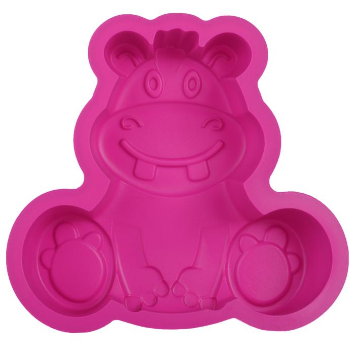 Форма для выпечки Бегемот, цвет: розовый. 842-024842-024Форма для выпечки Бегемот изготовлена из силикона розового цвета - материала, который выдерживает температура от -22°С до +250°С. Изделия из силикона очень удобны в использовании: пища в них не пригорает и не прилипает к стенкам, легко моется. Изделие обладает эластичными свойствами: складывается без изломов, восстанавливает свою первоначальную форму. Подходит для приготовления в микроволновой печи и духовом шкафу при нагревании до +250°С; для замораживания до -22°С и чистки в посудомоечной машине. Рекомендации по использованию: - не помещайте форму непосредственно на источник тепла (открытый огонь, гриль), - не используйте нож для резки продуктов в форме, - не используйте для чистки абразивные средства, скребки и щетки.
