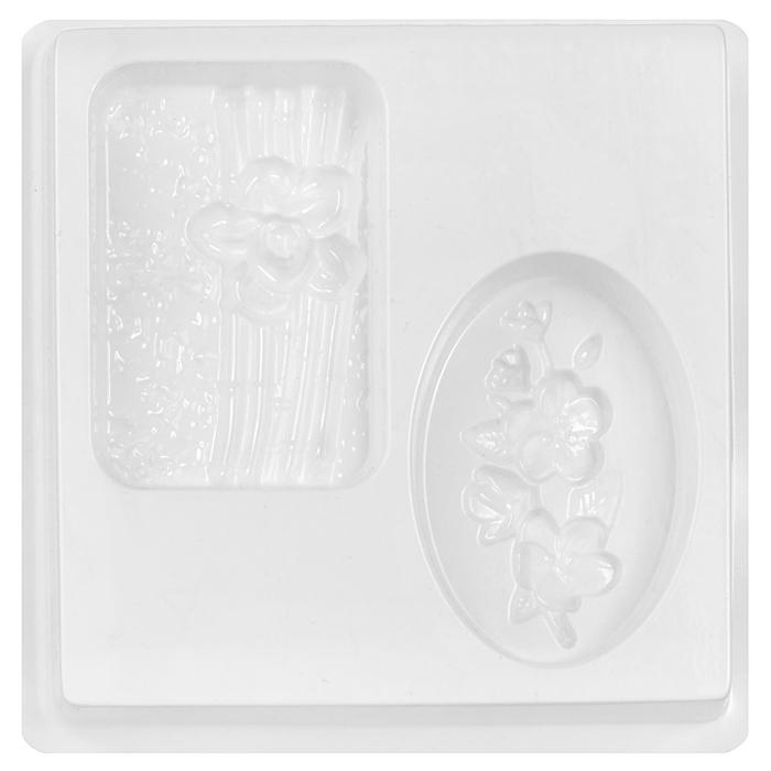 Форма пластиковая профессиональная Восток, 13 х 13 х 2 см2700770024739Пластиковая форма для мыла позволяет изготовить оригинальное и красивое мыло ручной работы. Лист включает в себя несколько небольших форм, которые удобно расположены на подножке, поэтому лист очень удобно стоит на столе и с ним очень просто работать. Пластиковые формы выдерживают температуру не более 70°С. Из них мыло вынуть не так сложно, как кажется на первый взгляд! Просто дайте мылу до конца высохнуть и аккуратно прижмите форму по бокам, а потом надавите сверху формы, чтобы воздух прошел в нее! Если у Вас не получается все же вынуть свое мыльце, то положите формочку с мылом в морозилку минут на 5, а потом подставьте формочку под горячую воду - мыло сразу выскочит! Форму можно использовать при проведении мастер-классов, при работе с детьми (т.к. мыло быстро застывает и ребенок очень быстро увидит готовый результат), при изготовлении массажных плиток, шоколадных конфет, плавающих свечей.