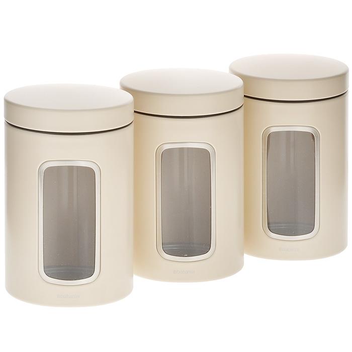 Набор контейнеров для сыпучих продуктов Brabantia, цвет: бежевый, 1,4 л, 3 шт. 380341380341Набор Brabantia состоит из трех контейнеров, выполненных из нержавеющей стали с покрытием бежевого цвета. Контейнеры предназначены для хранения кофе, чая, сахара, круп и других сыпучих продуктов. Изделия оснащены удобными, плотно закрывающимися крышками, что дольше сохранит продукты свежими. Внешние стенки имеют прозрачные окошки. Стильный набор современного дизайна не только послужит функционально, но и красиво оформит интерьер вашей кухни. Объем: 1,4 л. Комплектация: 3 шт. Диаметр по верхнему краю: 9 см. Высота (с учетом крышки): 16,5 см.