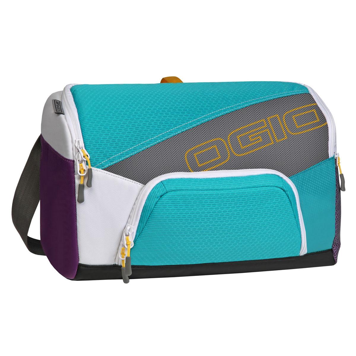 Сумка OGIO Quickdraw, цвет: голубой, фиолетовый. 112041.377112041.377Спортивная сумка OGIO Quickdraw подойдет людям, которые не привыкли таскать с собой габаритные сумки. Плечевая спортивная сумка OGIO - это Ваш помощник в спортивной жизни. Компактная сумка легко поместит в себе пару обуви, футболку с шортами, шейкер, мелкие вещи и электронные гаджеты. Особенности: Основное отделение отлично вмещает обувь для бега и сменную одежду. Внутренний карман для бутылки с водой. Дополнительное специальное отделение под крышкой для хранения продуктов питания. Внутренний карман для ключей и ценных вещей. Наружный карман с подбивкой для хранения ценных вещей. Легкая, износоустойчивая и прочная на разрыв ткань. Скрытая сетка для вентиляции основного отделения. Боковой карман с двусторонней застежкой на молнии носостойкое и устойчивое к истиранию брезентовое основание. Вентилируемая задняя стенка с системой проветривания. Простой регулируемый наплечный ремень Надежно закрепленный ремень для...