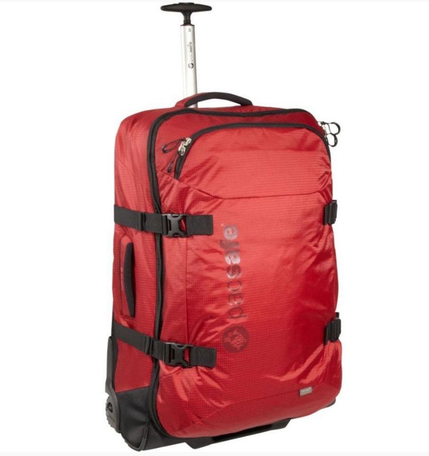Сумка PacSafe на колесах Toursafe 29, цвет: бордовый, 90 лPF402BDЧемодан Pacsafe Toursafe 29 окажется как нельзя кстати, если вы запланировали длительное путешествие, скажем, недели этак на четыре, когда просто захватить с собой смену обуви будет недостаточно. Не сомневайтесь – этот легкий, но достаточно вместительный раздвижной чемодан, оснащенный системой защиты от прокалывания и системой eXomesh, с прочной формованной спинкой станет вашим надежным спутником. Особенности: Передний карман на молнии в верхней части корпуса с 3 внутренними накладными карманами и карманом- сеткой на молнии. Основное отделение с карманом-сеткой на молнии для оптимального удобства размещения вещей. Бегунки особого дизайна с возможностью установки блокировочных замков TSA (имеет личинку под специальный универсальный ключ, который находится «на вооружении» таможни и службы безопасности). Легкая и прочная формованная спинка. Эргономичная выдвижная ручка из алюминиевого трубчатого профиля, фиксирующаяся в сложенном состоянии. ...