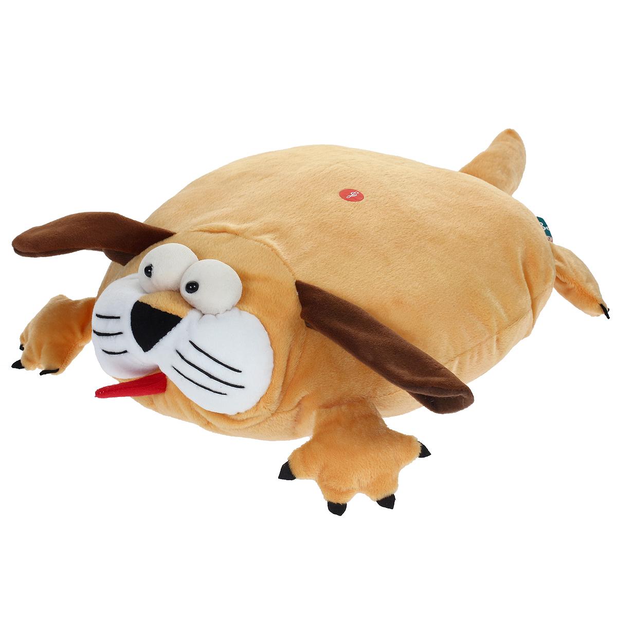 Мягкая озвученная игрушка-подушка Magic Bear Toys Собака цвет: светло-коричневый, коричневыйSAF2005-ZF-M-1Очаровательная мягкая игрушка-подушка Magic Bear Toys Собака не оставит равнодушным ни ребенка, ни взрослого. Приятная на ощупь игрушка выполнена в виде милого песика с объемной головой, лапками и хвостом, туловище собачки является подушкой. Если нажать на подушку, то песик будет гавкать. Такая игрушка-подушка прекрасно дополнит интерьер детской комнаты.