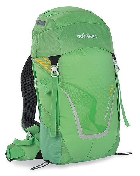 Рюкзак спортивный Tatonka Vento 25, цвет: светло-зеленый, 25 л1460.007Универсальный спортивный рюкзак с новой системой подвески X Vent Zero. Благодаря крестообразно расположенному каркасу из стекловолокна и минимальному контакту со спиной система объединяет оптимальный контроль нагрузки с исключительной вентиляцией и минимальным весом. При весе всего 960 г. рюкзак обладает вместительным внутренним отделением и хорошим оснащением. Особенности рюкзака: Подвеска X Vent Zero. Верхнее отделение с держателем для ключей и дождевым чехлом. Эргономичные лямки с эластичным нагрудным ремнем. Эластичные боковые карманы. Держатели походных палок. Боковые стяжки. Ручка для переноски.