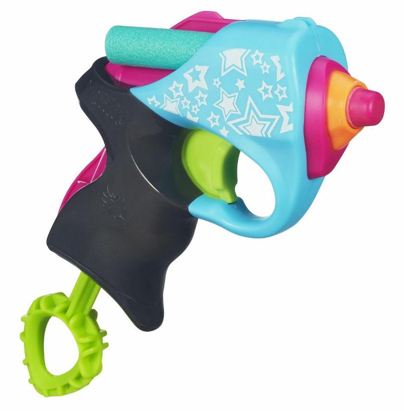 Nerf Rebelle Мини-бластер, цвет: розовый, бирюзовыйA6925/А5616Яркий, стильный мини-бластер Nerf Rebelle позволит вашему ребенку удивить своих соперниц и почувствовать себя во всеоружии. Бластер работает по принципу помпового ружья: передергиванием затвора взводится механизм, нажатием на спусковой крючок - запускается, а сила сжатого воздуха выталкивает патрон. В комплект с бластером входят два безопасных патрона из вспененного полимера. Порадуйте своего ребенка таким замечательным подарком!