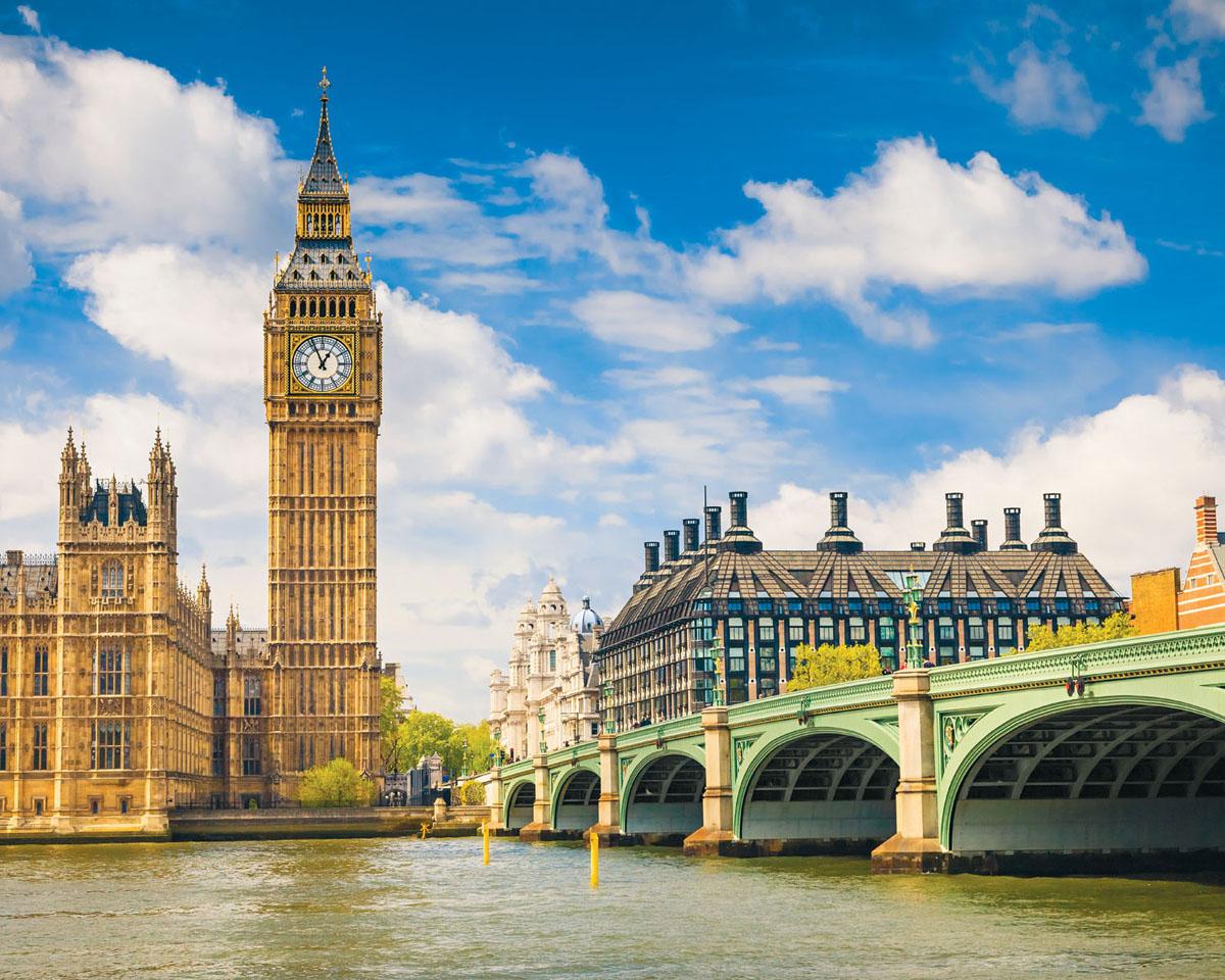 Картина на стекле Postermarket Темза. Лондон, 50 х 40 смAG 40-05Картина на стекле Postermarket - это новое слово в оформлении интерьера. Изделие выполнено из закаленного стекла, что обеспечивает устойчивость к внешним воздействиям, защиту от влаги и долговечность. Картина оформлена красочным пейзажем Лондона. С задней стороны имеется петелька для подвешивания к стене. Стильный, современный дизайн, а также яркие и насыщенные цвета сделают эту картину прекрасным дополнением интерьера комнаты.