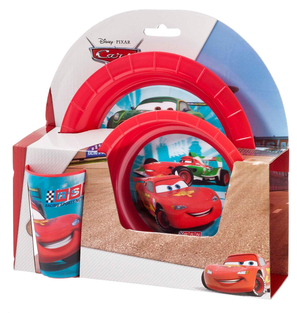 Набор детской посуды Cars Тачки, с 3D рисунком, 3 предмета17350Яркий и функциональный набор детской посуды Cars Тачки состоит из стакана, тарелки и глубокой тарелки. Посуда, выполненная из пищевого пластика красного цвета, оформлена изображениями Молнии МакКуина и других персонажей мультфильма Тачки 2 (Cars 2). Рисунки находятся под слоем прозрачного структурного пластика (линзы), создающего эффект объемного изображения, как в 3D кино, и исключающего попадание краски в жидкость. Небьющаяся посуда, красивая, легкая и удобная в уходе, прекрасно подходит для холодной и горячей пищи. Ваш малыш с удовольствием будет кушать вместе с любимыми героями. Не рекомендуется использовать в СВЧ-печах и в посудомоечных машинах. Объем стакана 250 мл.