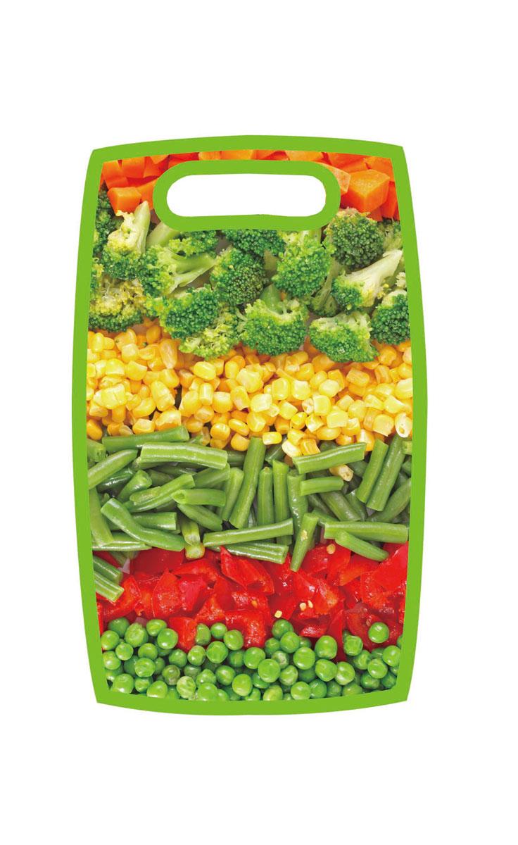 Доска разделочная Hausmann Овощи, 31 х 19,5 х 1 смHM-305202-2Разделочная доска Hausmann Овощи, изготовленная из высококачественного пищевого пластика, займет достойное место среди аксессуаров на вашей кухне. Лицевая сторона изделия украшена изображением овощного ассорти. Доска оснащена удобной ручкой. Доска Hausmann Овощи прекрасно подойдет для нарезки любых продуктов. Она устойчива к деформации, не разрушается, легко моется.