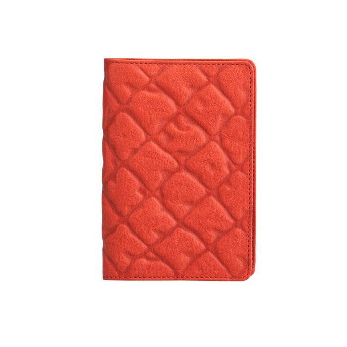 Бумажник водителя Askent Tonara, цвет: коралл. BV.62.TNBV.62.TN. кораллБумажник водителя Askent Tonara выполнен из натуральной мягкой кожи с декоративным объемным тиснением. Имеет внутри два кармана из кожи, отделение для купюр, семь прорезных карманов для кредитных карт и внутренний блок из прозрачного пластика (6 карманов). Такой бумажник станет отличным подарком для человека, ценящего качественные и необычные вещи.