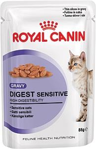 Консервы Royal Canin Digest Sensitive, для кошек с чувствительным пищеварением, мелкие кусочки в соусе, 85 г9537Консервы Royal Canin Digest Sensitive - полнорационный влажный корм кошек с чувствительным пищеварением. Кусочки в соусе для улучшения пищеварения у взрослых домашних кошек старше 1 года Кошки, не выходящие на улицу, имеют низкую физическую активность и малоподвижный образ жизни, поэтому они могут испытывать проблемы с пищеварением. В пищеварительном тракте кошки сбалансировано сосуществуют более 500 видов бактерий. При нарушении пищеварения этот баланс может быть нарушен, что может привести к нежелательным эффектам: скоплению газов и жидкому стулу с резким запахом. Для кошек с чувствительным пищеварением необходим рацион, содержащий легкоусвояемые белки и способствующий поддержанию идеального веса. Уменьшение запаха. Высокоусвояемый корм Digest Sensitive содержит легко усваиваемые белки, обладает исключительной аппетитностью и умеренной калорийностью, уменьшает запах фекалий. Поддержание идеального веса. Специально разработанные...