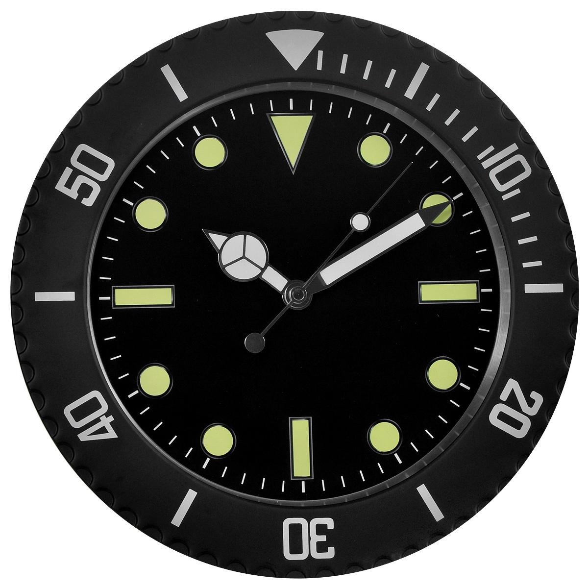 Часы настенные Командирские. 9550295502Оригинальные настенные часы Командирские круглой формы выполнены из металла и защищены стелом. Часы имеют три стрелки - часовую, минутную и секундную. На стрелках нанесен специальный состав, светящийся в темноте. Необычное дизайнерское решение и качество исполнения придутся по вкусу каждому. Оформите совой дом таким интерьерным аксессуаром или преподнесите его в качестве презента друзьям, и они оценят ваш оригинальный вкус и неординарность подарка.
