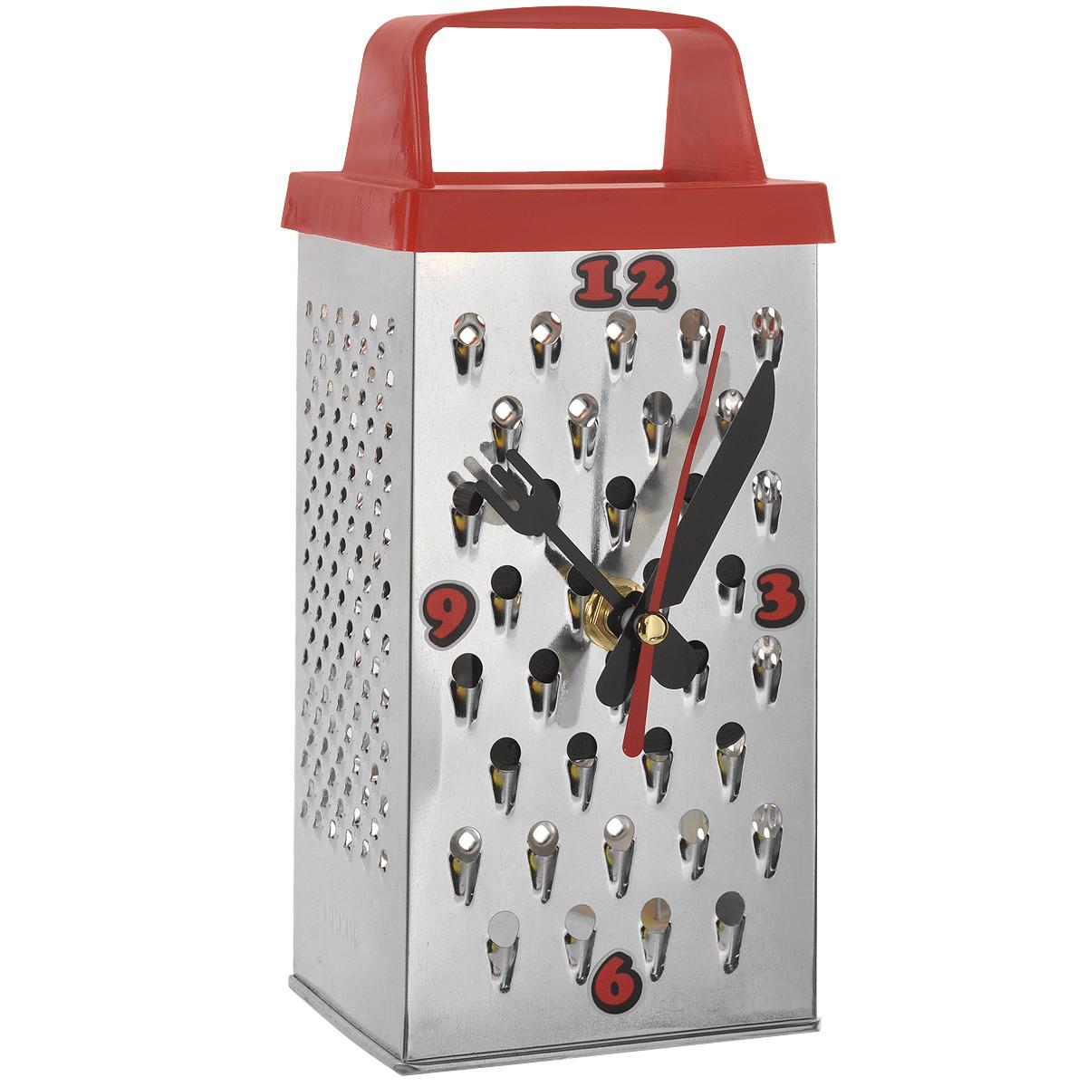 Часы настольные Терка. 9583395833Необычный дизайн настольных кварцевых часов, несомненно, привлечет внимание. Часы изготовлены из металла в виде терки. Такие часы станут отличным интерьерным решением для кухни. Часы оснащены кварцевым механизмом и имеют три стрелки. Часы-терка снабжены отверстиями, для использования изделия в качестве настоящей терки. Стильный дизайн и функциональность порадуют и удивят любую хозяйку!