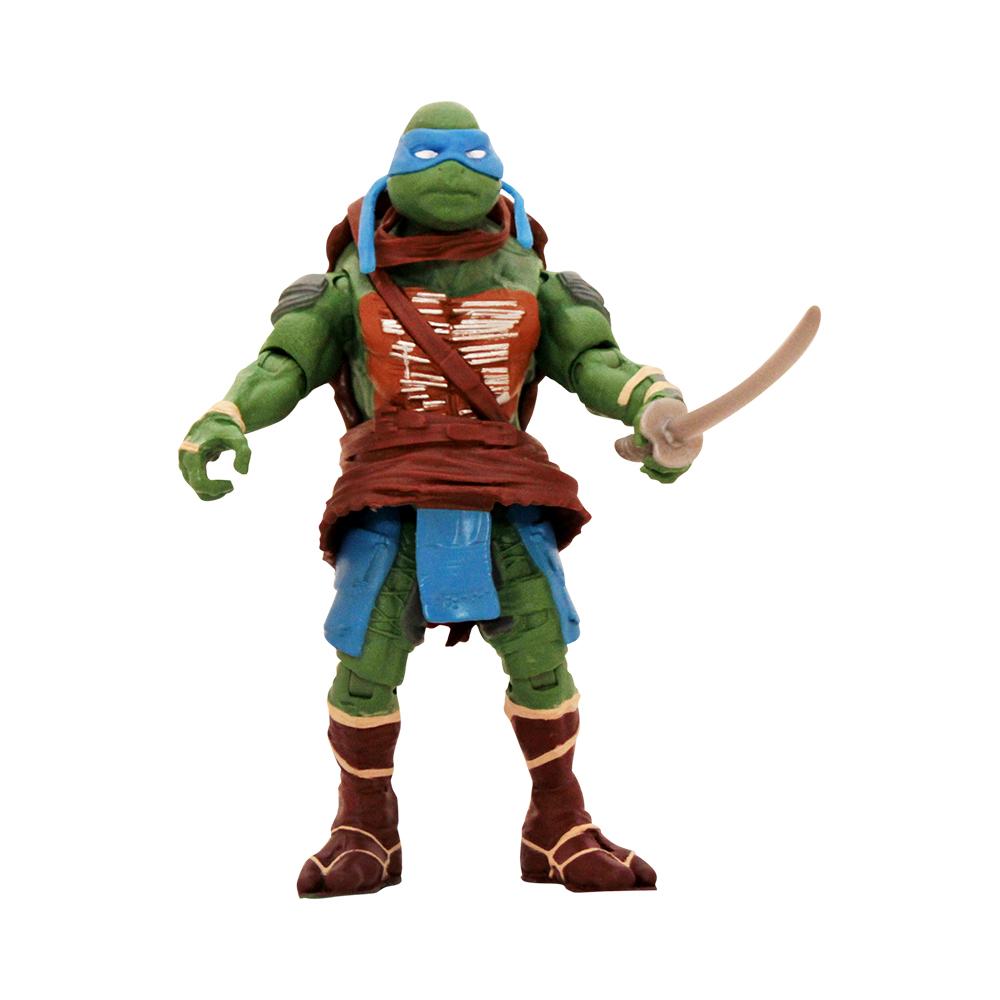 Фигурка Turtles Леонардо, 12,5 см. 90850_9085190851Фигурка Turtles Леонардо станет прекрасным подарком для вашего ребенка. Она выполнена из прочного пластика в виде персонажа команды TMNT - Черепашки-Ниндзя Леонардо. Голова, руки и ноги фигурки подвижны, что позволит придавать Леонардо различные позы. В комплект входит его оружие - два меча, для каждого из которых предусмотрены ножны. Ваш ребенок будет часами играть с этой фигуркой, придумывая различные истории с участием любимого героя. Они подверглись мутации и обучались искусству ниндзюцу у великого сэнсэя Сплинтера. Черепашки-Ниндзя готовы выбраться из своего секретного убежища и спасти мир от сил зла! Черепашки-Ниндзя впервые появились на страницах комиксов в далеких 80-х. Черепашки перебрались на телевидение по воле студии Murakami-Wolf-Swenson (MWS) и продолжали радовать своих поклонников в течение десяти лет (1987-1996). 5 лет подряд были признаны сериалом №1. За это время было показано более 190 эпизодов, а озорные и веселые герои успели покорить...