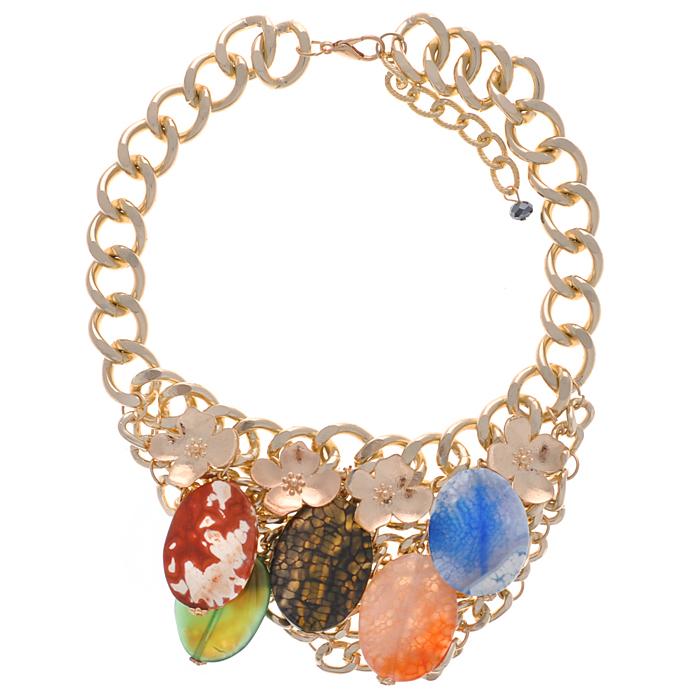 Колье Taya, цвет: золотистый, мульти. T-B-8606-NECK-GL.MULTIT-B-8606-NECK-GL.MULTIСтильное колье Taya, выполненное из гипоаллергенного сплава на основе латуни (не содержит свинец и никель), не оставит равнодушной ни одну любительницу изысканных и необычных украшений. Колье представляет собой металлическую цепь золотистого цвета с крупными звеньями. Часть колье с тремя рядами металлических цепочек украшена бусинами-подвесками и декоративным цветком. Колье имеет надежную застежку-карабин с регулирующей длину цепочкой. Такое колье позволит вам с легкостью воплотить самую смелую фантазию и создать собственный, неповторимый образ.