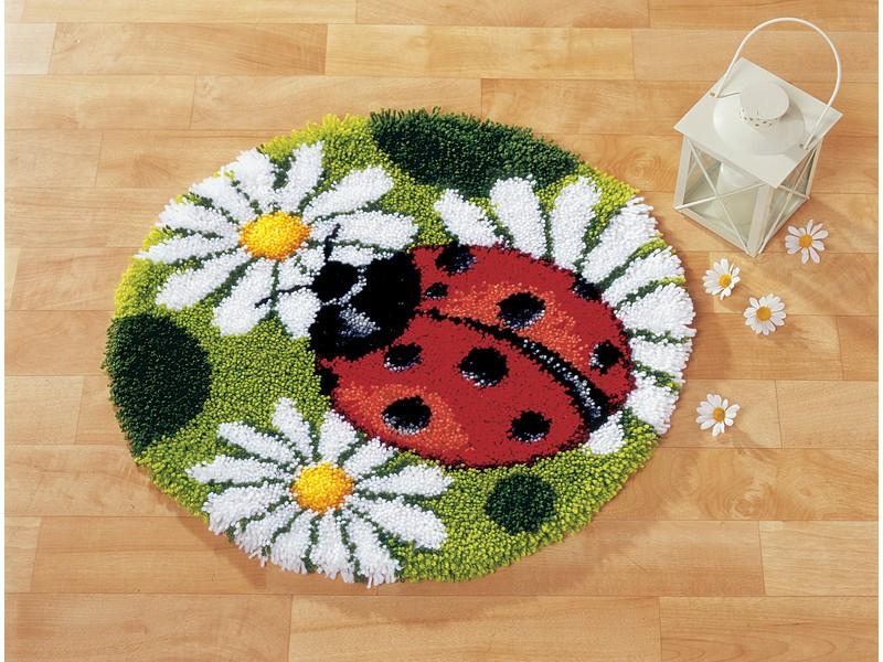 Набор для вышивания коврика Vervaco Божья коровка, 55 см х 55 см647499