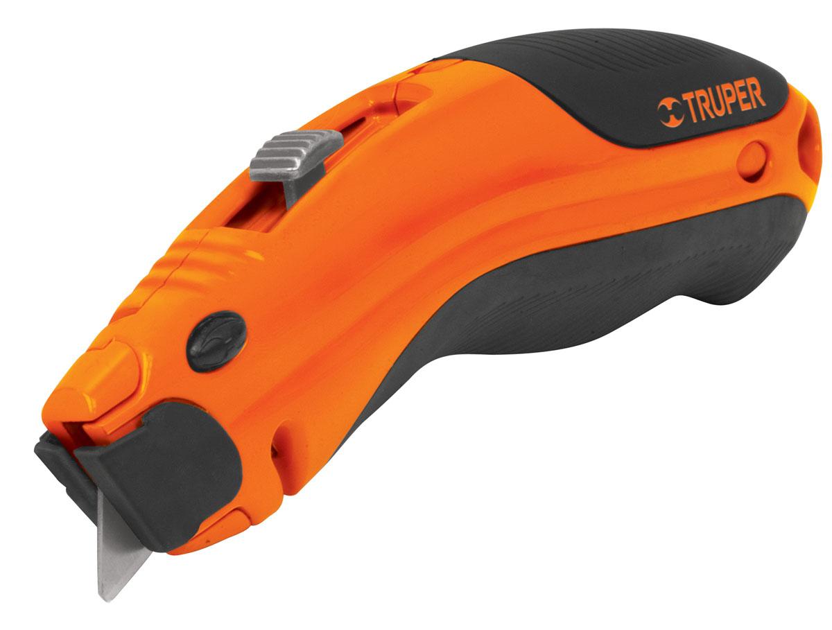 Нож универсальный обойный Truper NM-6NM-6Безопасный универсальный нож Truper c трапециевидным лезвием, изготовленным из стали SK-2. 3 лезвия в комплекте. Нож оснащен отсеком для хранения лезвий. Обрезиненная рукоятка обеспечивает надежный и удобный хват.