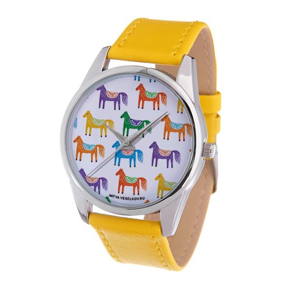 Часы Mitya Veselkov Цветные лошадки (желтый). Color-86Color-86Наручные часы Mitya Veselkov Цветные лошадки созданы для современных людей. Часы оснащены японским кварцевым механизмом. Ремешок выполнен из натуральной кожи рыжего цвета, корпус изготовлен из нержавеющей стали серебристого цвета. Циферблат оформлен изображением лошадок на белом фоне.