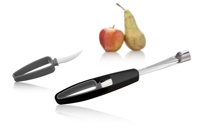 Набор для чистки яблок и удаления сердцевины VacuVin, цвет: черный, серый, 2 предмета4663360Набор для чистки яблок и удаления сердцевины VacuVin состоит из двух ножей. Нож с круглым зубчатым лезвием легко удаляет сердцевину из яблок, а с помощью специального ножа в рукоятке можно очистить и нарезать все виды фруктов. Рабочая поверхность ножей изготовлена из нержавеющей стали. Рукоятки выполнены из пластика; благодаря эргономичной форме удобно лежат в руке и не выскальзывают во время работы. Подготовить фрукты к употреблению теперь станет намного проще! Удобные и простые в использовании устройства станут достойным дополнением к коллекции ваших кухонных аксессуаров.