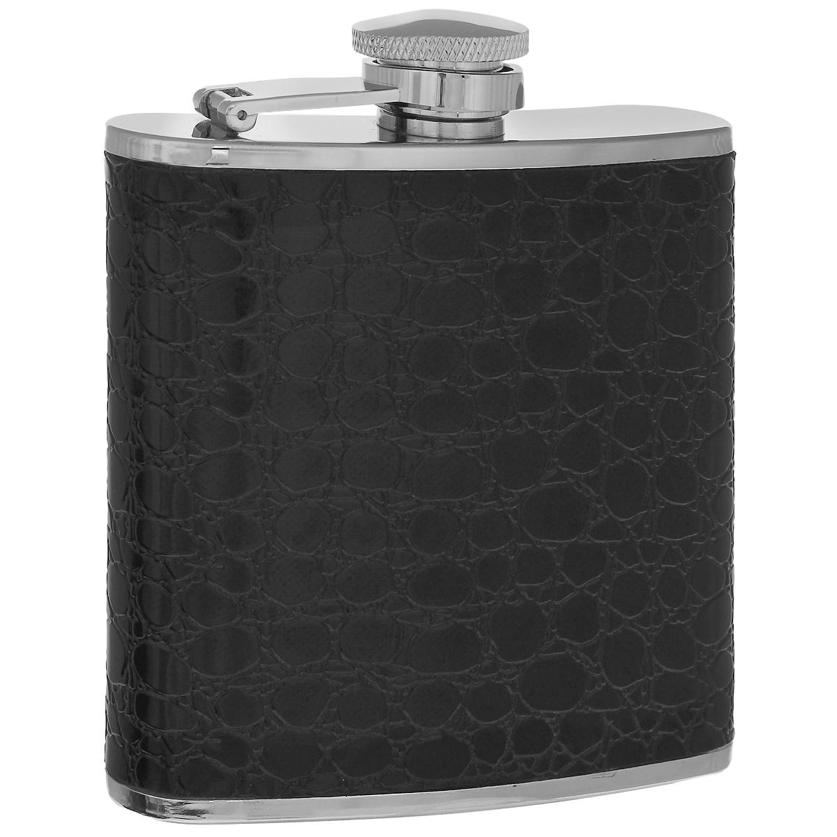 Фляга S.Quire Черный крокодил, 150 млTB05-2279PUФляга S.Quire изготовлена из нержавеющей стали 18/10 и оформлена вставкой из искусственной кожи черного цвета с декоративным тиснением под крокодила. Фляга специально предназначена для хранения алкогольных напитков. Ее нельзя использовать для напитков, содержащих кислоту, таких как сок и сердечные лекарства. Крышка плотно закрывается, предотвращая проливание. Фляга S.Quire - идеальный подарок для настоящих мужчин. Стильный дизайн, компактность и качество изделия, несомненно, порадуют любого мужчину.
